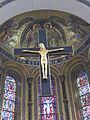 Altarkreuz und Apsismosaiken.jpg