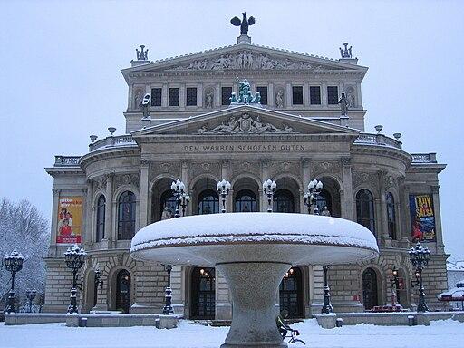 Alte Oper Frankfurt im Winter