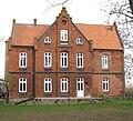 Altes Pfarrhaus Brinkum Seitenansicht.jpg