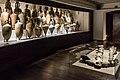 Anfore e ancora dell'antica nave romana - Museo Delta Antico.jpg