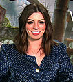 Anne Hathaway, Alice In Wonderland.jpg