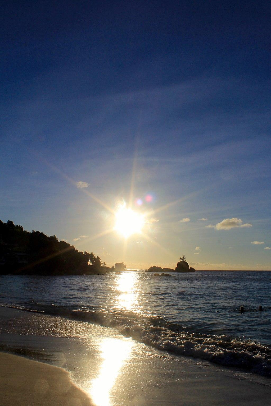 Anse Soleil - panoramio