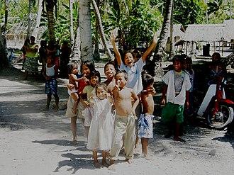 Aranuka - Residents of Aranuka Island, Kiribati welcome visitors