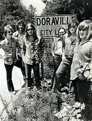 Atlanta Rhythm Section - Atlanta Rhythm Section in 1977. From left to right: J.R. Cobb, Ronnie Hammond, Barry Bailey, Paul Goddard, Robert Nix, Dean Daughtry.