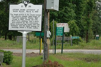 1958 Mars Bluff B-47 nuclear weapon loss incident - Historical marker and access sign