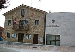 Ayuntamiento de Quintanadueñas1.JPG
