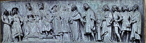 Columbus Monument, Barcelona - Bas-relief depicting Columbus meeting King Ferdinand and Queen Isabella in Cordoba