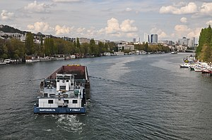 Barge Dole on the river Seine in Saint-Cloud 004.JPG