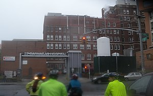 St Barnabas Hospital (Bronx) - Image: Barnabas Hospital 183 St 3 Av rain jeh