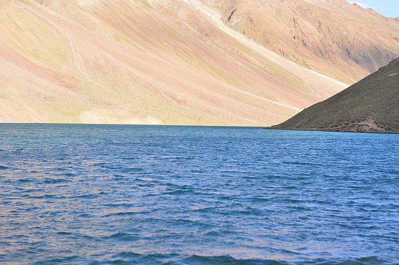 File:Beauty of Chandratal Lake 12.jpg