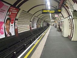 Belsize Park stn southbound look south