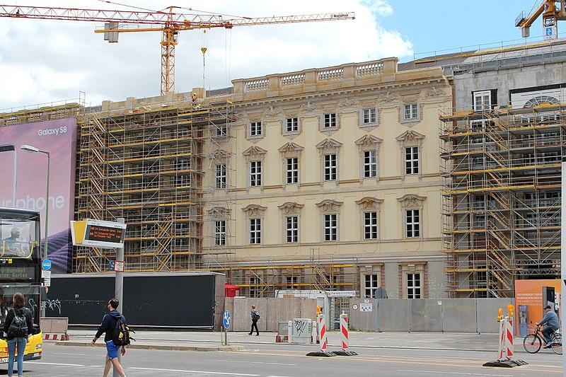 File:Berlin Schloss 04 07 2017 01.JPG