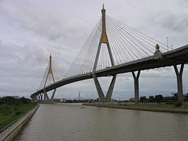 Bhumibol Bridge, June 2007.jpg
