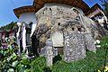 Biserica rupestră de la Nămăiești 08.jpg