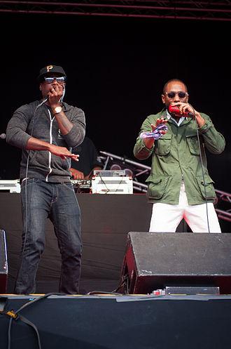 Talib Kweli - Kweli performing alongside fellow Black Star member Mos Def.