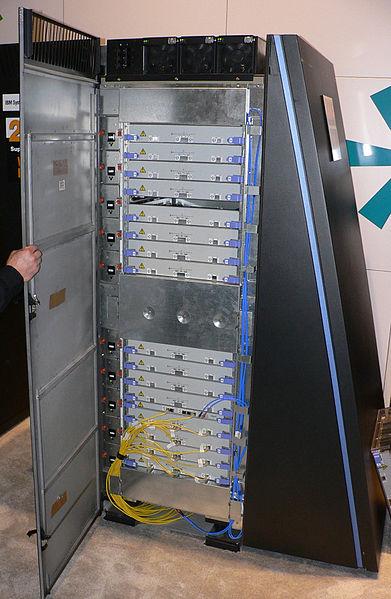 Εικόνα:BlueGeneL cabinet.jpg