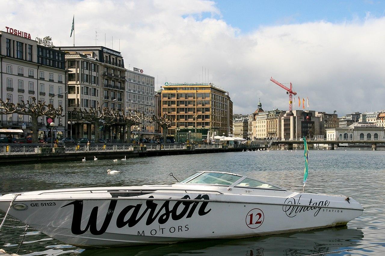 Boat at Geneva 1.jpg