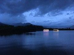 Boats on the Praek Tuek Chhu river.jpg