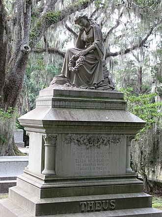 Bonaventure Cemetery - Image: Bonaventure cemetery theus 7351