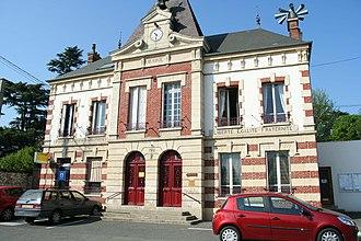 Bréval - Town hall