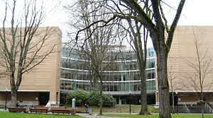 Holon (sculpture) - Holon in front of Portland State University's Branford Price Millar Library in 2009