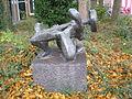 Bronsbeeld-gewichtheffer Zaagmolenkade Utrecht Nederland.JPG