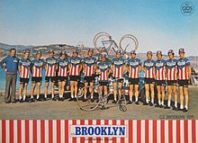 Brooklyn cycling team 1975.jpg