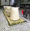 Brunnen Kaulbachstr81 München.jpg