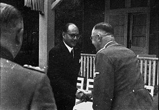 Bundesarchiv Bild 101III-Alber-064-22A, Subhas Chandra Bose bei Heinrich Himmler