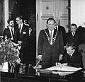 Bundesarchiv Bild 183-1987-0529-046, Berlin, Rotes Rathaus, Nicolae Ceausescu.jpg