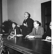 Bundesarchiv Bild 183-61510-0008, Berlin, Studentenkongreß gegen Atomrüstung.jpg