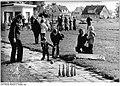 Bundesarchiv Bild 183-Z1007-022, Mueß, Dorffest, Festwiese.jpg