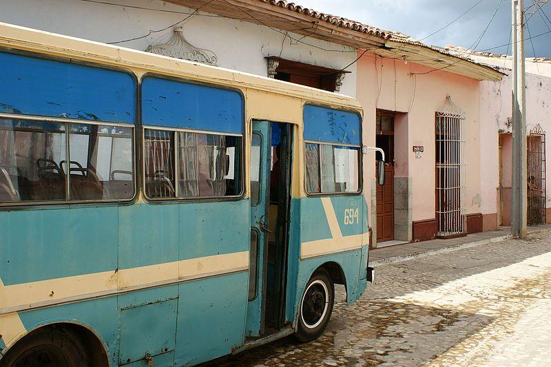 File:Bus (3044091200).jpg