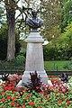 Buste Garnier Jardin Garnier Provins 6.jpg