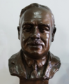 Busto do Professor Henrique Parreira (Instituto Português de Oncologia), cropped.png