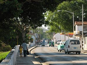 Roads in Cuba - The Carretera Central through Santa Clara