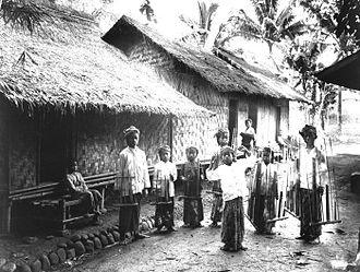 Sundanese people - Sundanese boys playing Angklung in Garut, c. 1910–1930.
