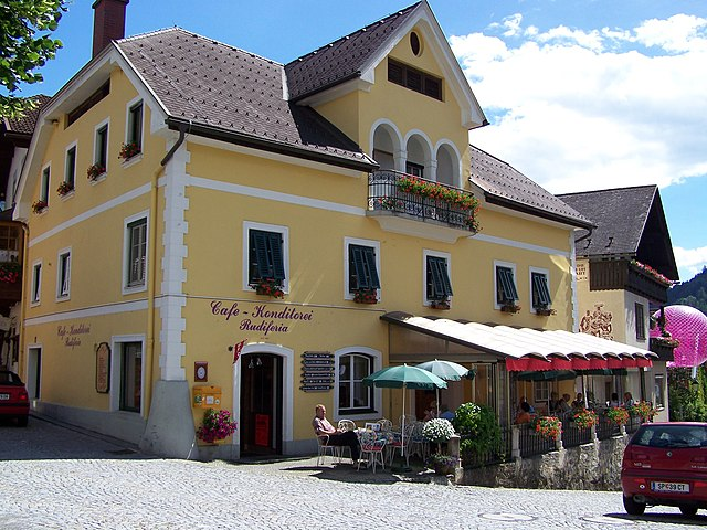 Datei:Cafe-konditorei-rudiferia-Haus.JPG