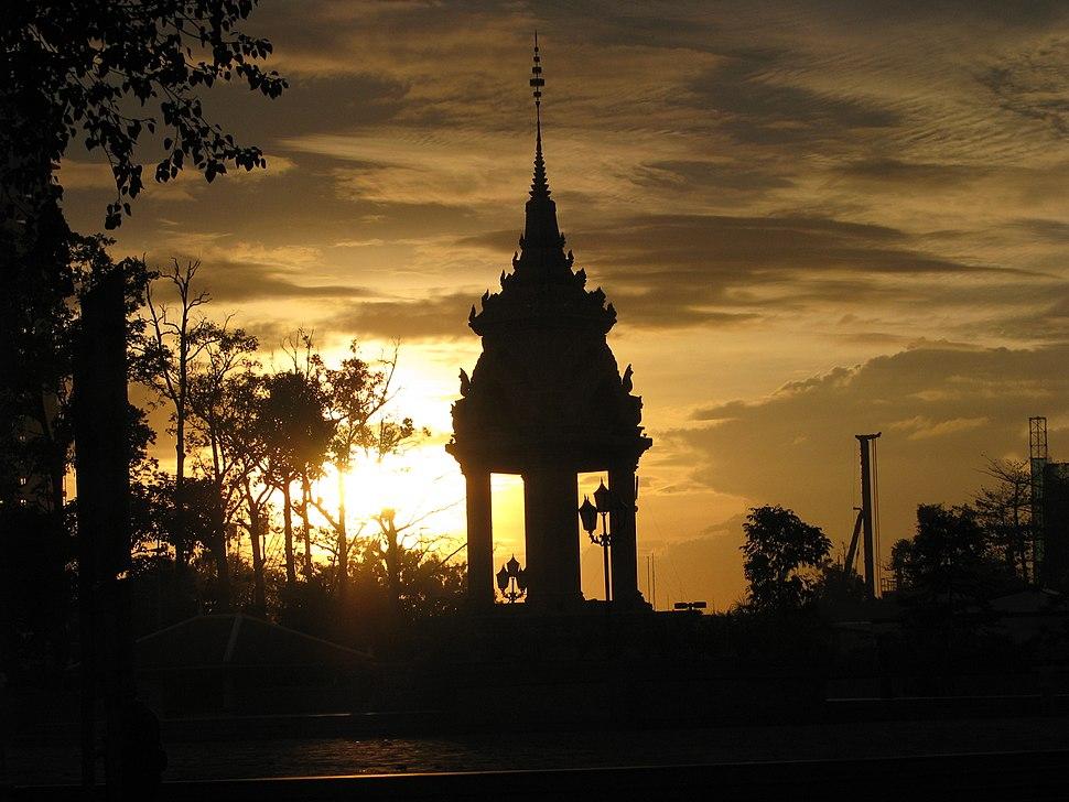 Cambodia 08 - 021 - sunset (3199504538)