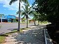 Caminando por la mañana en el Boulevard Bahía, Chetumal. - panoramio.jpg