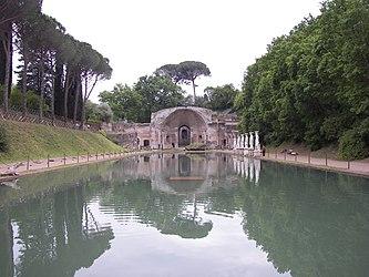 Canopo in Villa Adriana.jpg
