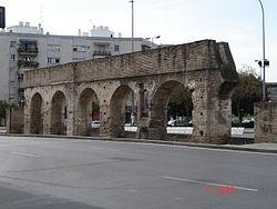 Restos del acueducto de Sevilla, la tercera arcada.