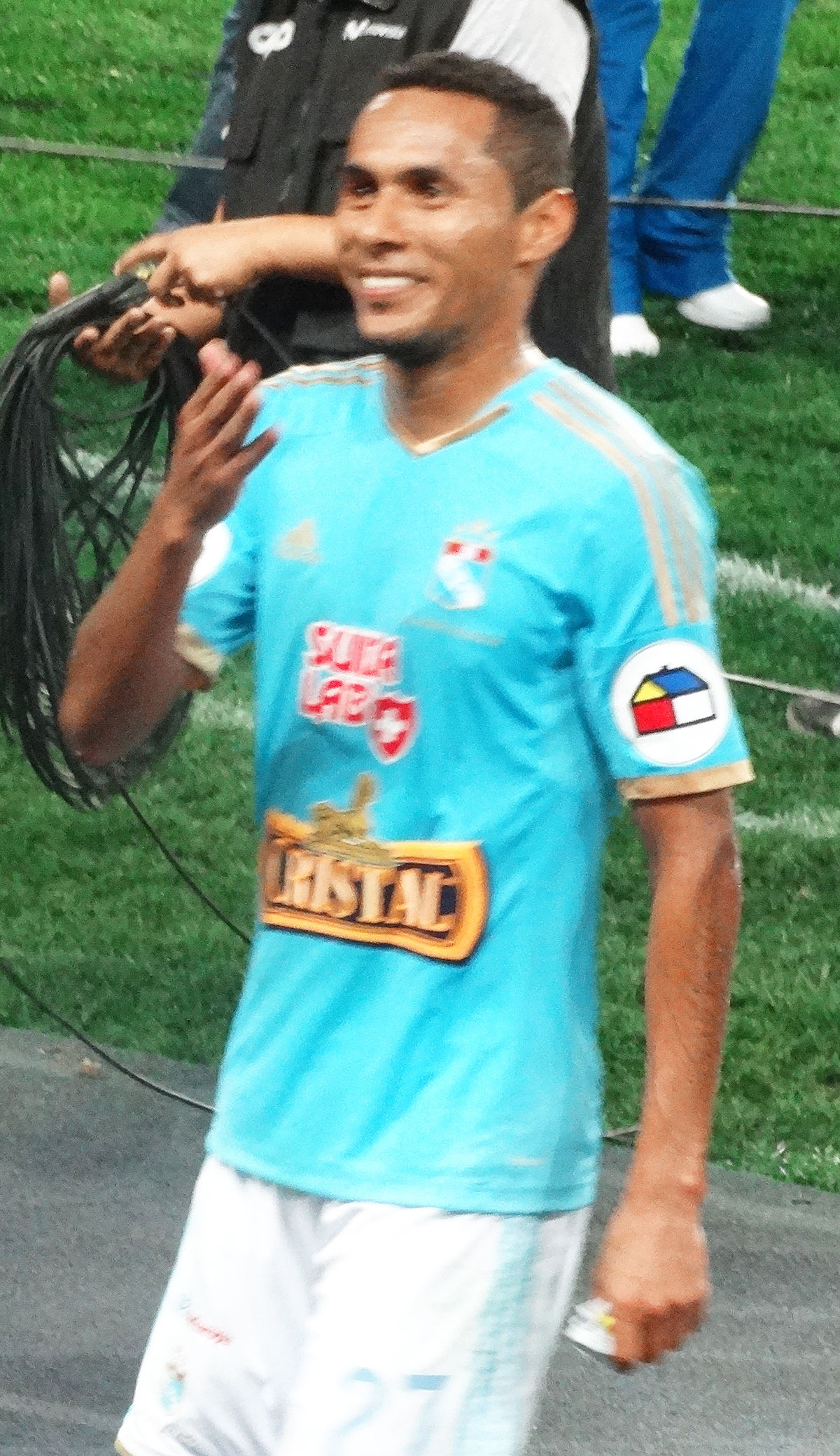 Carlos Lobat... Carlos Wiki
