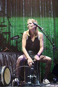 Caroline in concerto nel 2016.