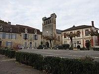 Castelfranc Mairie et église.JPG