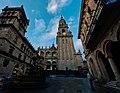Catedral de Santiago de Compostela, vista desde Rúa de Xelmírez.jpg