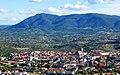Cebreros y cerro Guisando (43691341955).jpg