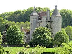 Château de Villemonteix 02.JPG