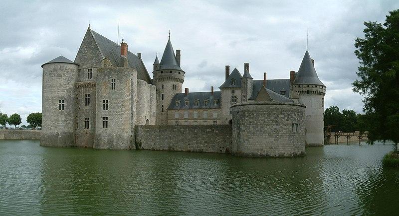 Fichier:Chateau Sully sur Loire.jpg