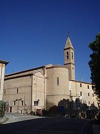 Chiesa parrocchiale SS Pietro e Paolo di Castelleone di Suasa, Italia - Abside e campanile 1.JPG